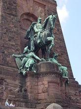 威廉一世的纪念雕像